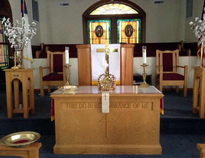 st-paul-altar-he-is-risen