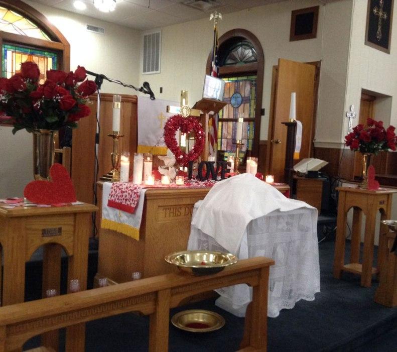 valentines-altar-st-paul-east-umc